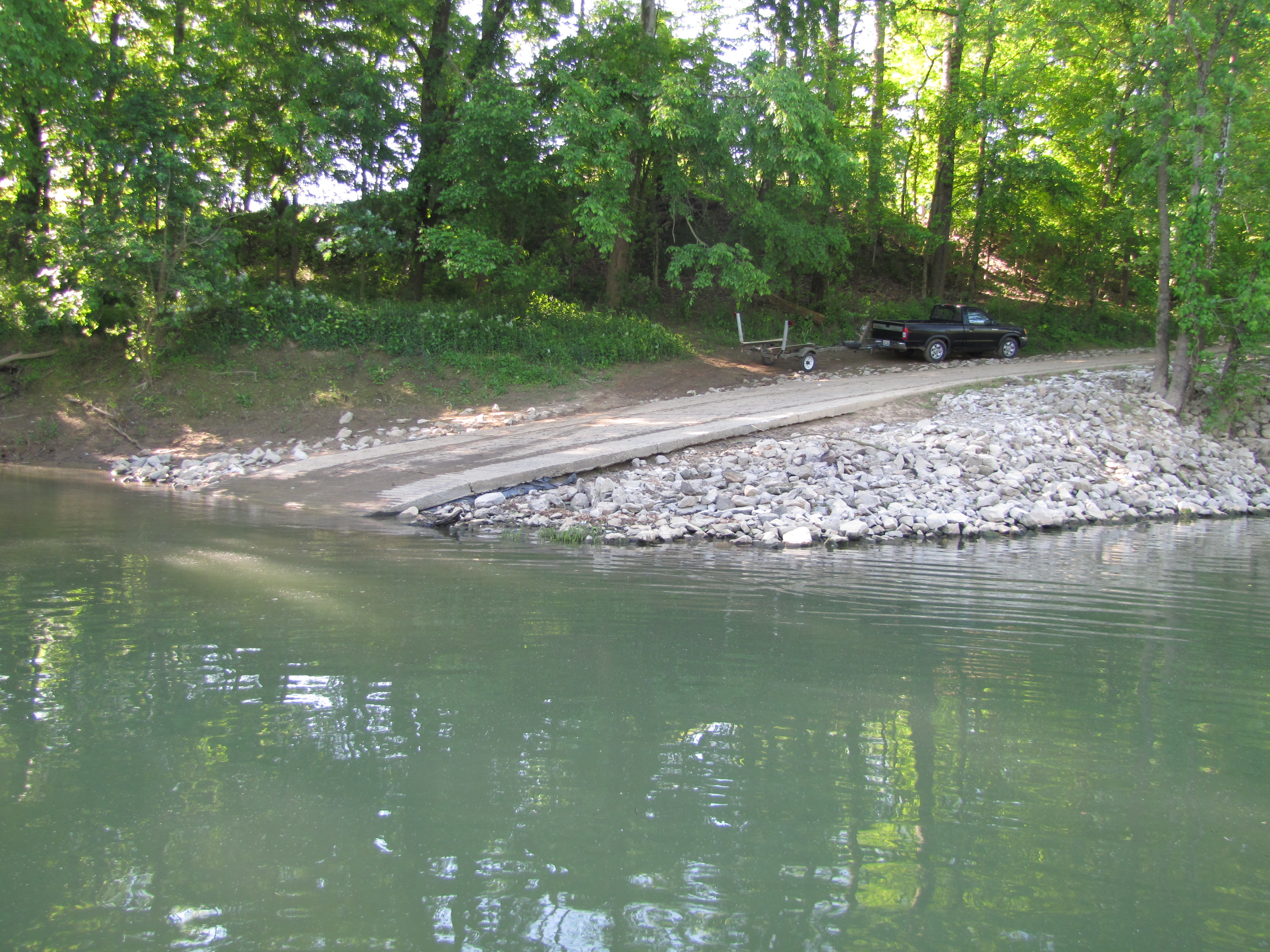 Alexander Creek Boat Ramp provides free public access to boaters and anglers in the middle portion of Pool 5.