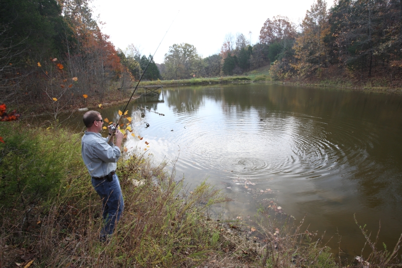 Kentucky department of fish wildlife managing your farm pond for Bass pond construction