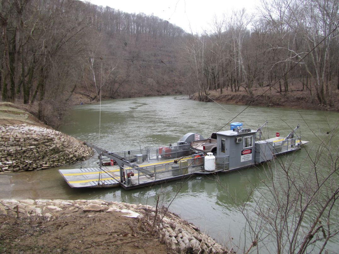 Green River Ferry located in Mammoth Cave National Park allows boaters to launch boats on the downstream side of the ferry.  Be sure to yield to ferry traffic.