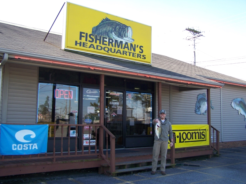 This program would not exist without the help of our local bait shops. Michael's fish was held overnight by staff at Prichard's Outdoor Shop in Grayson, KY. Make sure you visit Prichard's Outdoor Shop when fishing Grayson, Greenbo and other lakes.