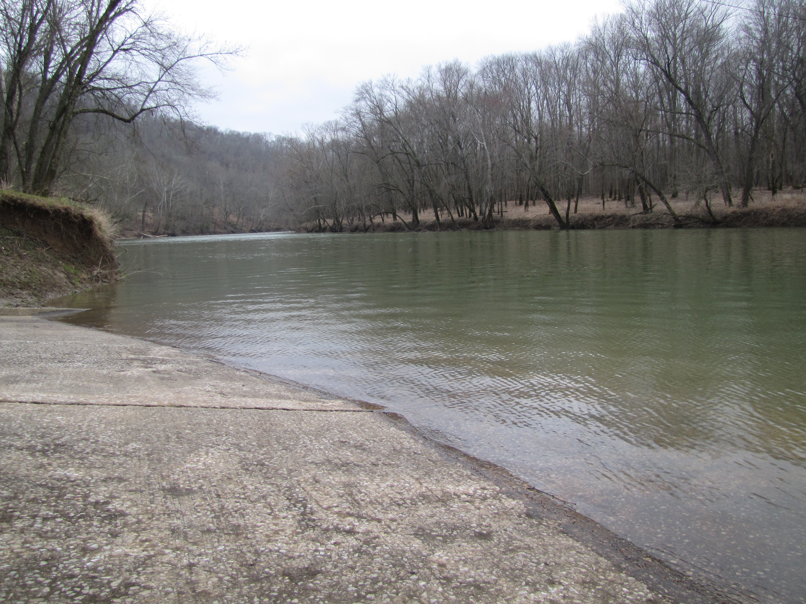 Houchins Ferry, located in Mammoth Cave National Park, provides boaters with access to the river.  A camp ground and picnic shelter is located at the ferry crossing.